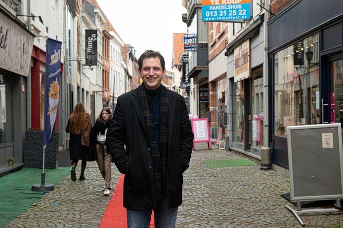 Schepen en volksvertegenwoordiger Maurits Vande Reyde vroeg de cijfers van de coronapremies op bij Vlaams minster van Economie Hilde Crevits.