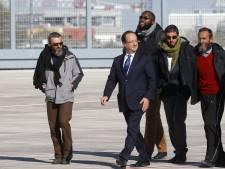 Ecotaxe et otages ne profitent pas à Hollande