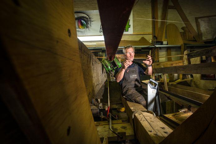 September 2019: Cees Leusink werkt in de botterwerf aan de EB15.