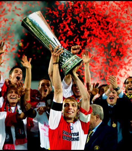 Jesper (25) uit Hardenberg schrijft boek over UEFA Cup-winst Feyenoord: 'Berghuis zou toen wel aangepakt worden'