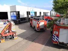 Vaten met salpeterzuur lekken in Helmond (video)