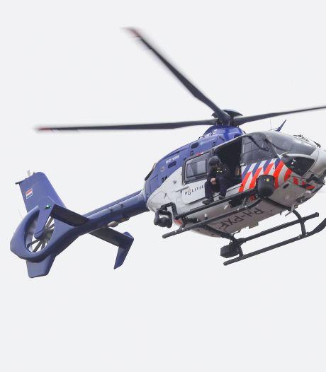 Politiehelikopter cirkelt 's nachts boven Enschede: dit is waarom
