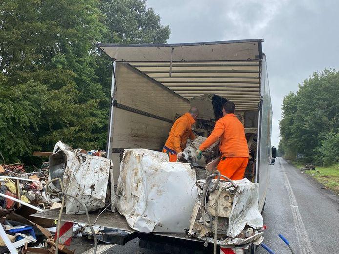La Ressourcerie du Pays de Liège travaille d'arrache-pied depuis des semaines pour récolter les déchets générés par les inondations.