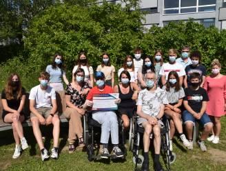 Miniondernemingen Sint-Janscollege schenken 1.200 euro aan De Lovie vzw