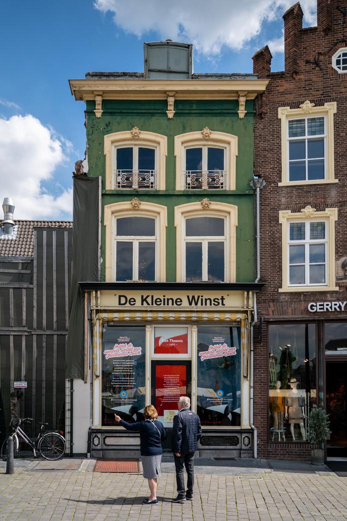 De restauratie van De Kleine Winst op de Bossche Markt gaat zeker meer dan één miljoen euro kosten omdat er onder meer een spiltrap en lift in komen.