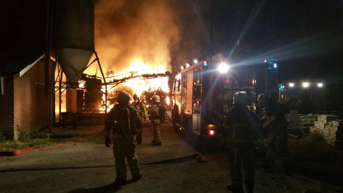 Uitslaande brand in hooischuur Beltrum.