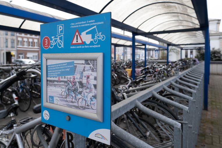 In de fietsenstallingen aan het station werden veertig onbruik geraakte tweewielers verwijderd.