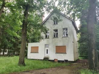 IN BEELD. Stad op zoek naar erfpachtnemer voor aalmoezenierswoning op Wortel Kolonie