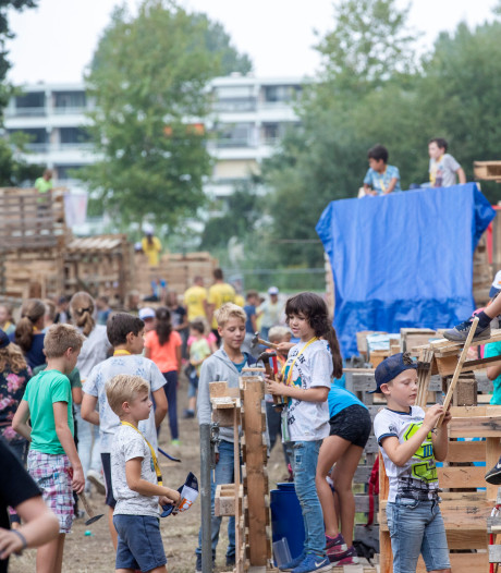 Bouwdorp Veenendaal binnen een uur uitverkocht: 'Vreselijk kinderen teleur te moeten stellen'