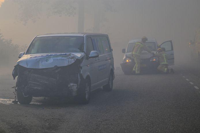 Liefst zes auto's raakten betrokken bij de botsing.