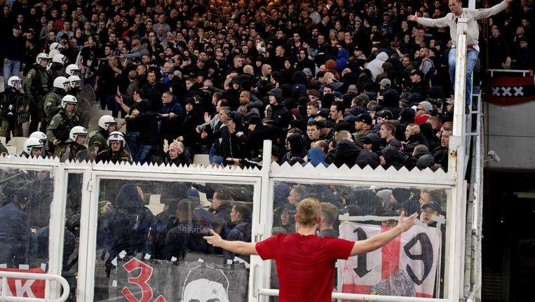 In Athene kwamen de fans van Ajax in de problemen Beeld ANP