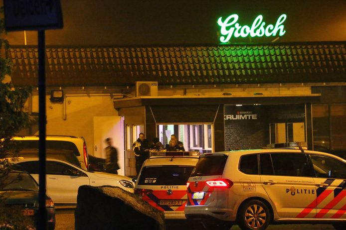Bij het schietincident in een zalencentrum in Beckum vielen twee gewonden.