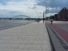 Honderden meters lang fietsenrek op Waalkade voor Vierdaagsefeesten
