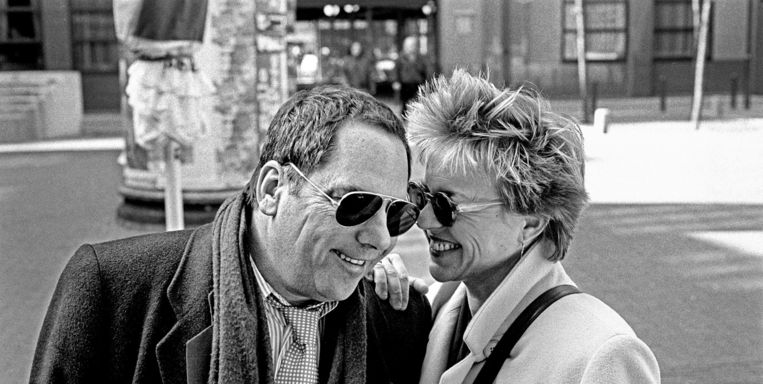 Ischa Meijer en Connie Palmen in 1994. Na hun eerste ontmoeting wilde Meijer Palmen meteen in bed krijgen, maar dat feest ging niet door.
