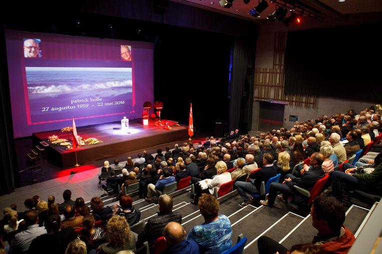 Veel volk op de uitvaart in het MEC Staf Versluys.