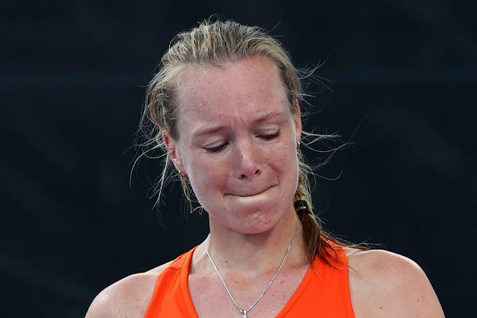 Kiki Bertens kan haar emoties niet verbergen na het verlies in de eerste ronde van het enkelspel.