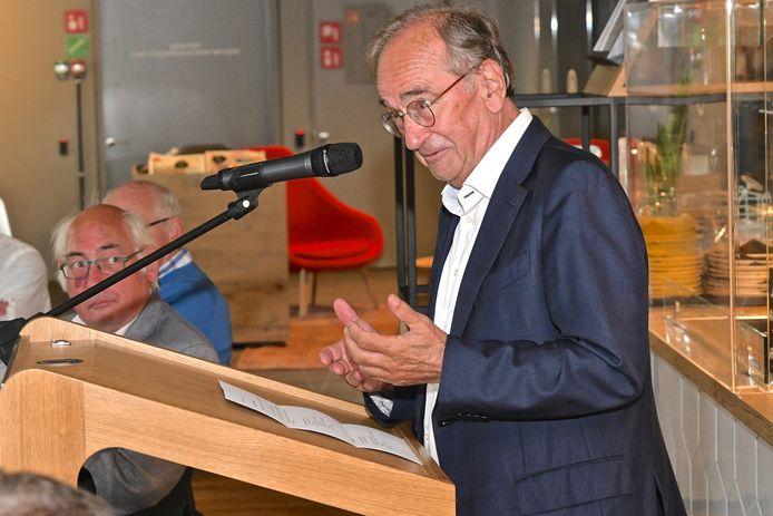 Ex-burgemeester Martens zakte ook nog eens af naar Roeselare.