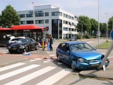 Veel schade door botsing in Zoetermeer