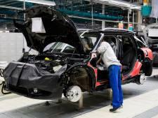 Code zwart in de auto-industrie door tekort aan chips: fabrieken stilgelegd