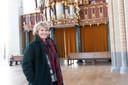 Zangeres Johannette Zomer uit Wierden is in een lege kerk voor een online-opname van het Stabat Mater van Pergolesi.