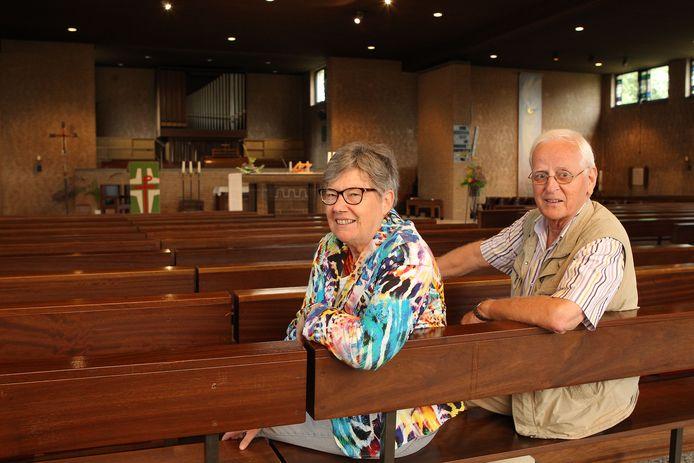 Jos en Henk Woertman trouwden in 1963 in de Raalter Kruisverheffing, maar zetten zich daarna met hart en ziel in voor de Pauluskerk die in 1966 werd ingewijd.