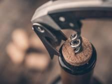 Borreltijd: zo open je je wijnfles als een sommelier
