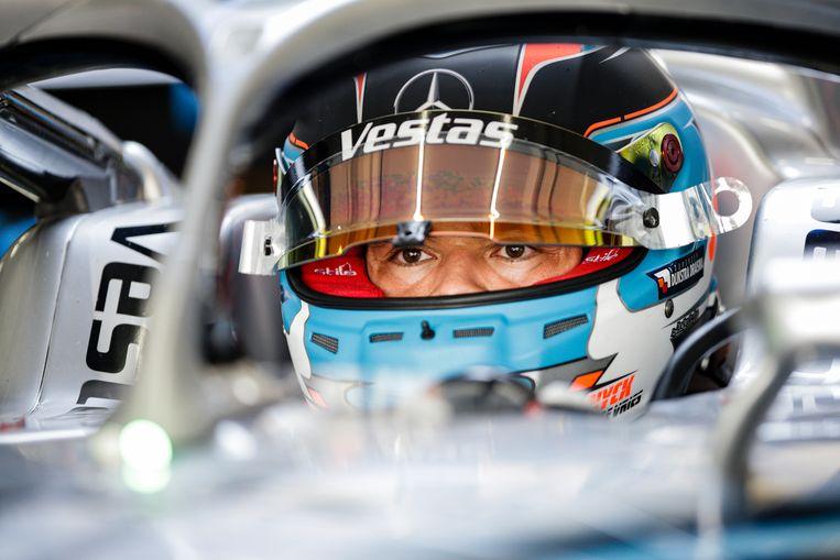 'Ik ben sprakeloos en een beetje emotioneel,' zei coureur De Vries na afloop van het veroveren van de Formule E-wereldtitel. Beeld NurPhoto via Getty Images