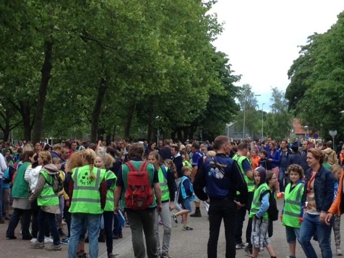 De kinderen zijn er klaar voor: de avondvierdaagse in Uden.