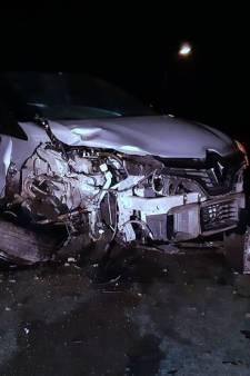 Dronken automobilist veroorzaakt ravage in Hengstdijk