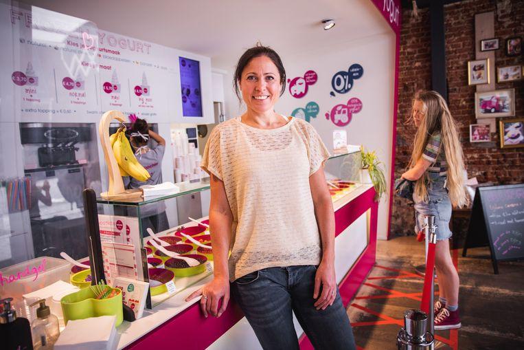Greet Buytaert van het frozen yogurt-merk Moochie in haar Gentse winkel in Klein Turkije.