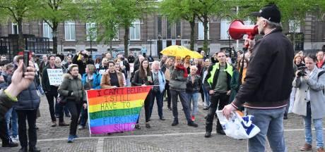 Demonstranten verzamelen zich op Plein voor protest tegen coronamaatregelen