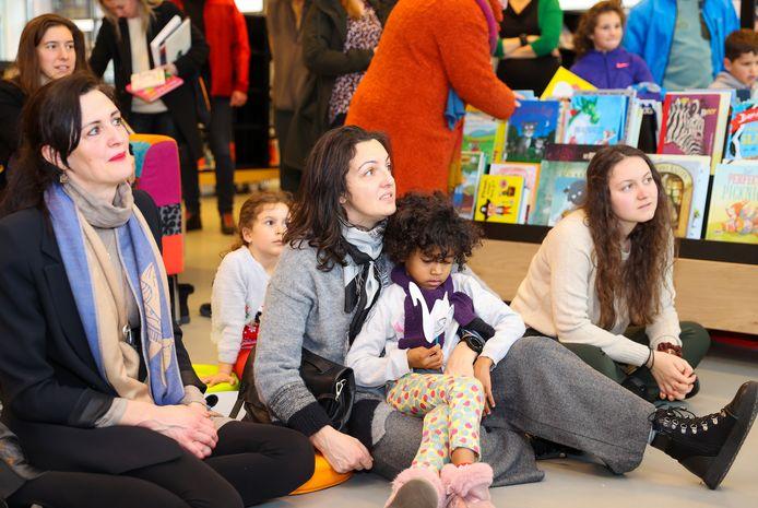 Eindhoven - De Eindhovense bibliotheek weet jonge kinderen goed te bereiken. Onder oudere doelgroepen is dat veel minder tot slecht.