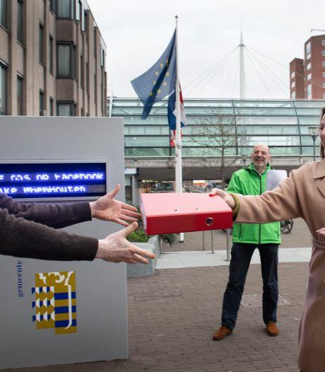 Houten opent telefoonnummer voor vragen over referendum omstreden woningbouwplannen