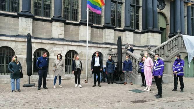 """Gent gedoopt in regenboogkleuren: """"Drempel voor aangifte van haatmisdrijven nog verlagen"""""""