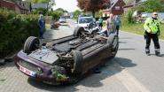 Dronken bestuurder crasht met cabrio