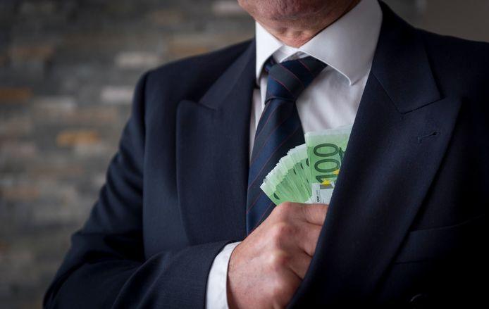 Wanneer iemand de huur bijvoorbeeld alleen maar contant wil betalen, moeten ondernemers alert zijn, zo luidt het advies.