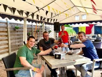 """Opnieuw pintjes drinken in 't Hofke: """"Hopelijk snel weer in dezelfde omstandigheden als vroeger"""""""
