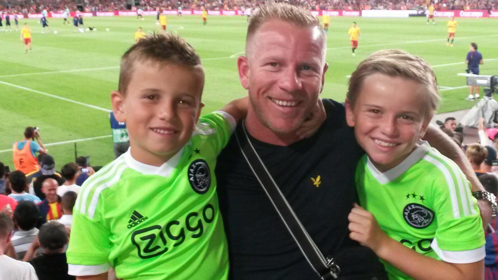 Barry Bielok met zijn zoontjes Sam en Jens.