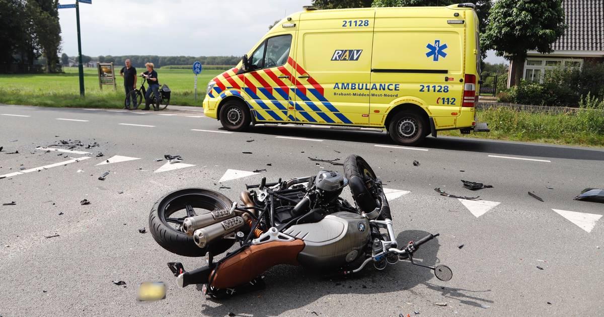 Motorrijder gewond bij botsing met auto in Sint Hubert.