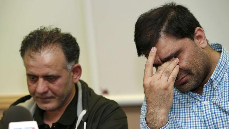 De vaders deden in de media een emotioneel beroep \op hun naasten om terug te keren