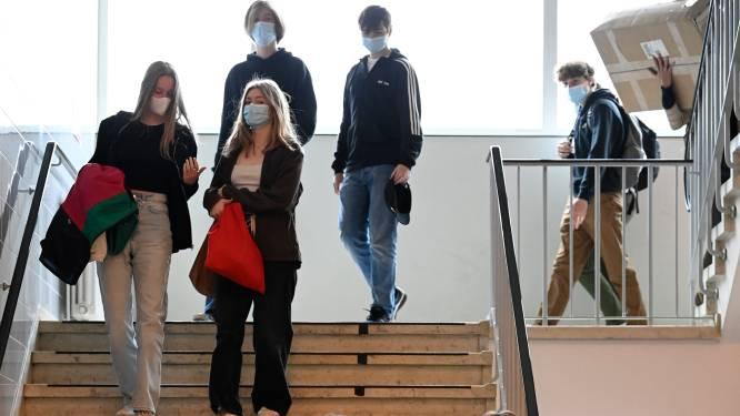 """Katholiek Onderwijs Vlaanderen over mondmaskers: """"Zelfde regels in onderwijs als in rest van samenleving"""""""