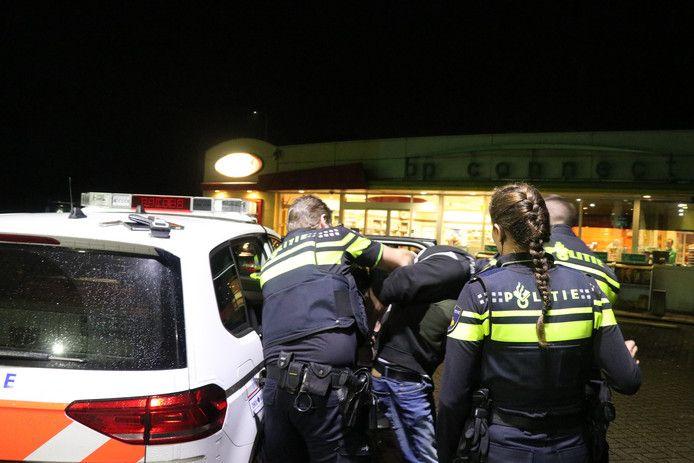 Ter illustratie: politie houdt man aan na rijden onder invloed.