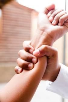 20 maanden cel voor Enschedeër die echtgenote mishandelde en vastbond met tie-wraps