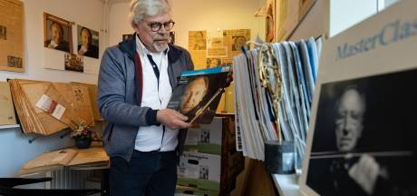 Kamper Krebbers-archief verhuist naar Den Haag: bij André van Putten gaan alle plakboeken de deur uit