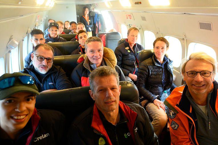De volledige groep. Vandaag start de expeditie écht, in Lukla.