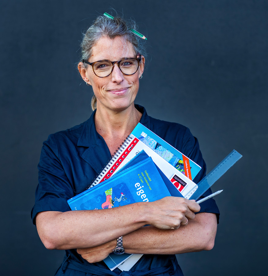 Marieke Dubbelman laat zich omscholen tot juf en doet daar wekelijks verslag van.