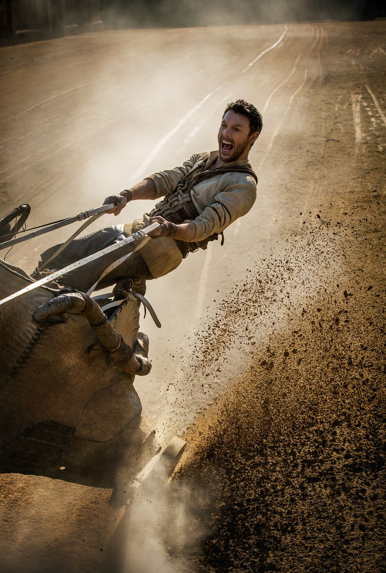 Jack Huston als Judah Ben-Hur tijdens de racescène, een van de weinige spannende momenten van de film. Beeld AP