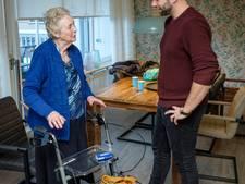 Studenten en ouderen onder één dak: Oma praat nu over sushi en bierspelletjes