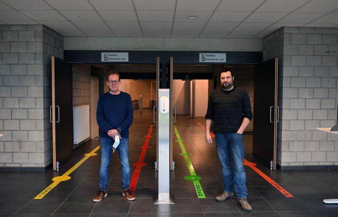 Vaccinatiecentrum Sportoase Ter Heide in Rotselaar. Met Werner Van Nuffelen en David De Cubber