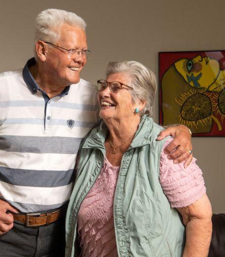 De eeuwigdurende liefde van Ans en Rob in Enschede: 'Iemand moet het bal openen'
